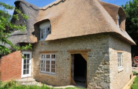 Thatched Extension, Peterborough